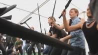 Danska bofferlajvare lät alla deltagarna på Knutpunkt 2010 ryka ihop i en jättestrid.
